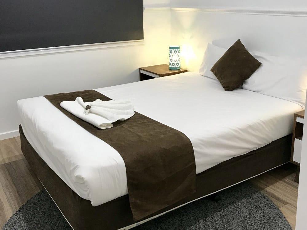 deluxe-motel3